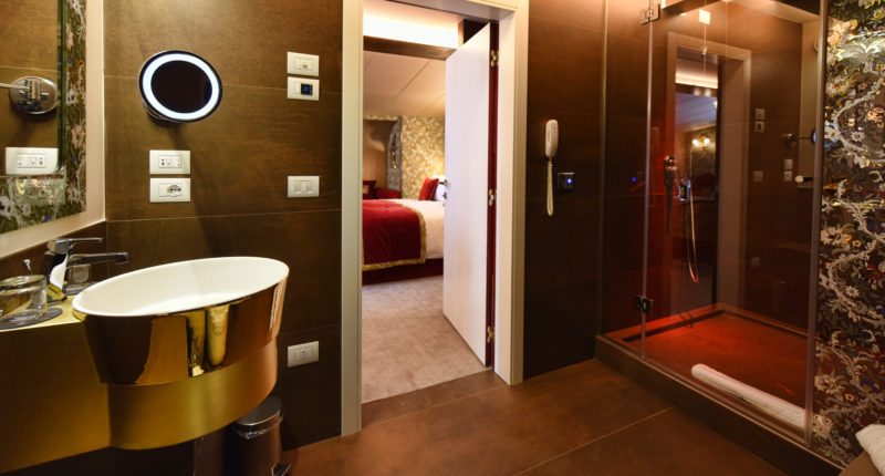 30 Suite Vivaldi Bathroom